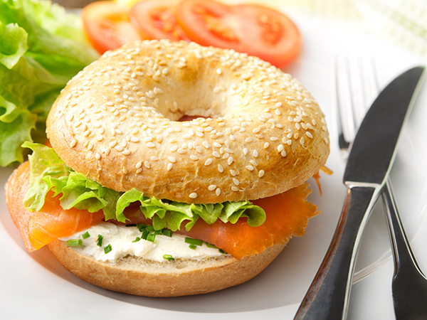 Attention les gourmands, les bagels débarquent !