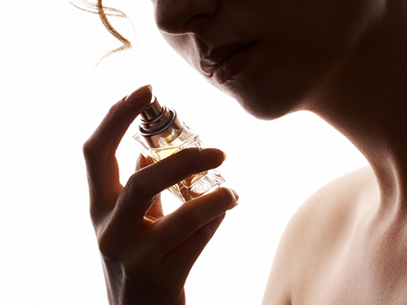 Comment faire tenir son parfum